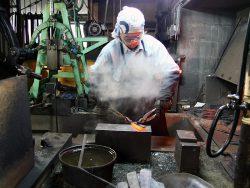 日野浦睦による鋼付け鍛造