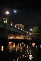 広島元安川の灯籠流し