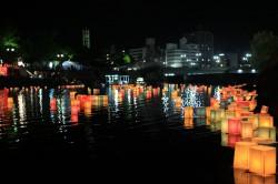 広島 灯籠流し