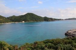 渡嘉敷島、展望台からの阿波連ビーチの眺め