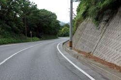 照山展望台への道