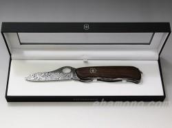 ビクトリノックス『ダマスカスナイフ2012』