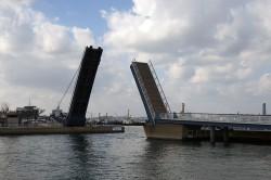 跳ね上げ橋