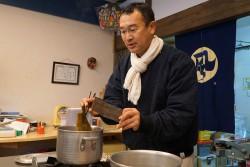 次郎長屋、西ヶ谷さんの出汁取り教室