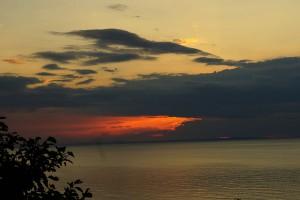 知床オロンコ岩から見る夕日