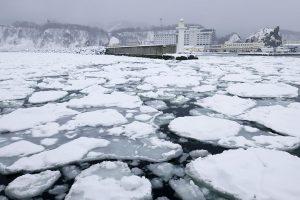 知床ウトロ港の流氷