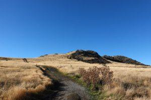 マウントジョンへのハイキングコース