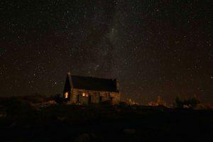 ニュージーランド・テカポ 善き羊飼いの教会 の星空